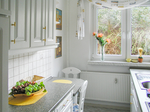 WG Aufbau Merseburg Küche Ferienwohnung in Merseburg
