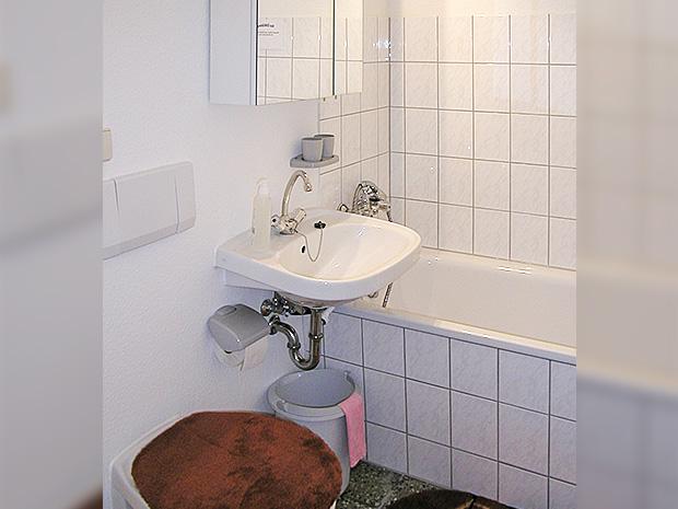 WG Aufbau Merseburg Badezimmer in Ferienwohnung im Zentrum Merseburgs
