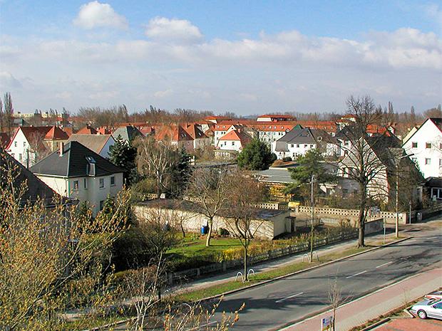 WG Aufbau Merseburg Aussicht vom Balkon über Wohngebiet Merseburg West